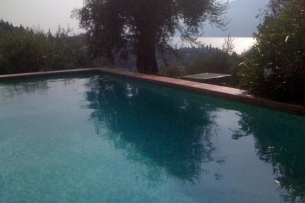 Large Home with Enchanting Lake View - Loncrini - фото 21
