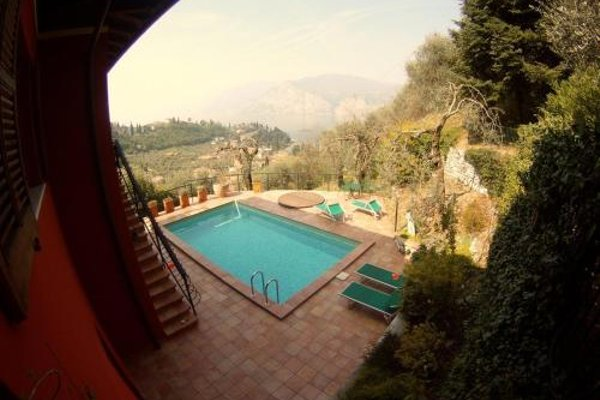 Large Home with Enchanting Lake View - Loncrini - фото 23