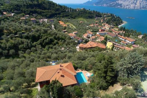 Large Home with Enchanting Lake View - Loncrini - фото 6