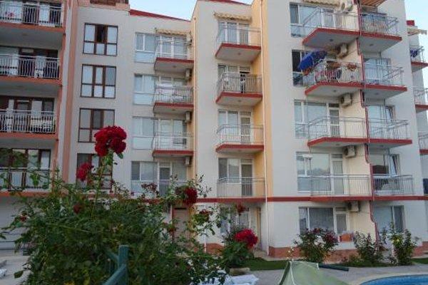 Apartments in Lotos Complex - фото 22