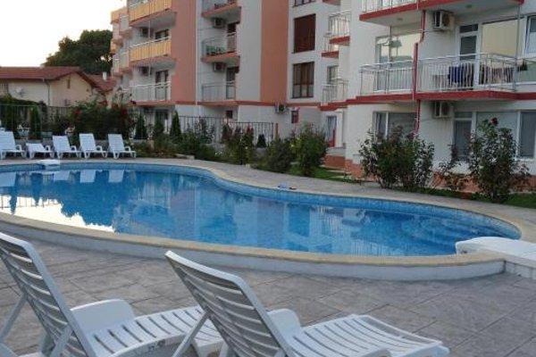 Apartments in Lotos Complex - фото 23