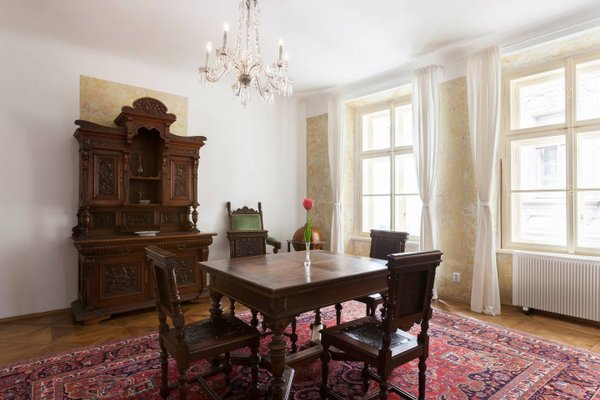 Old Town Apartment Dlouha - фото 12