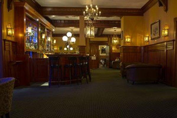 Fleischer's Hotel - 13