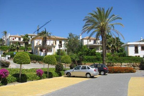 Villa Pueblo Andaluz - 8