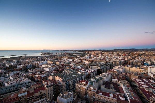 Alicante Skylights Apartments - фото 17