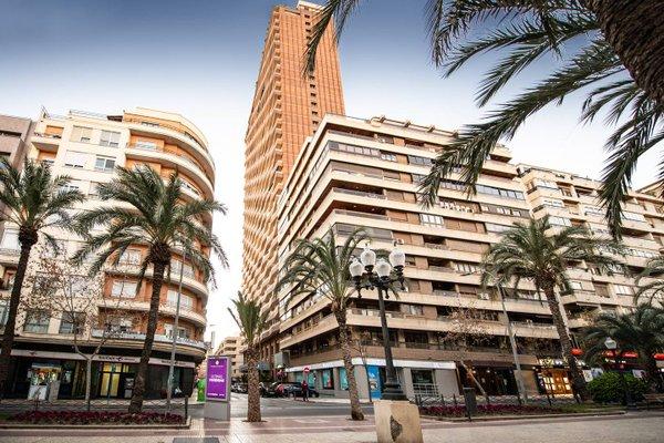 Alicante Skylights Apartments - фото 23