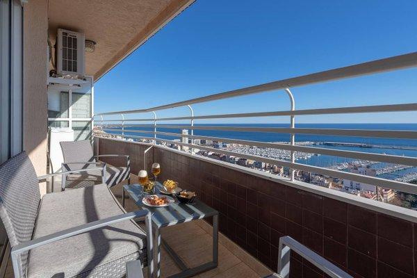 Alicante Skylights Apartments - фото 6