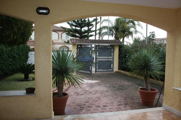 Albertina's Villa - 9