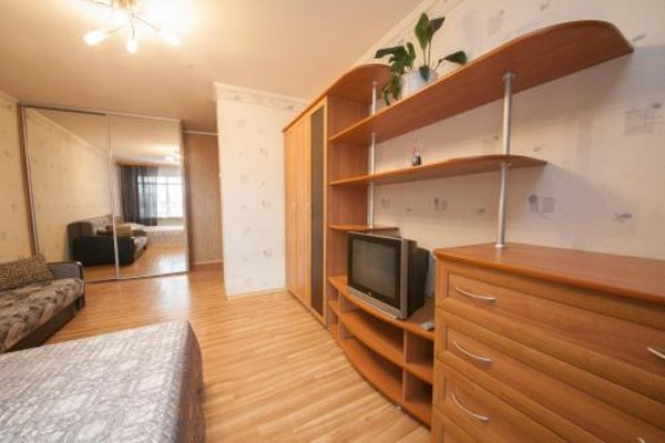 КвартировЪ Апартаменты на Космосе - 4