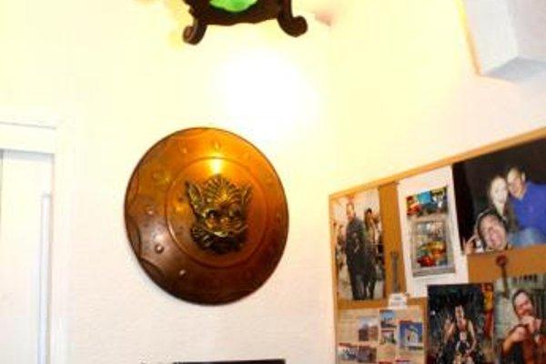 Kingslanding Old Town Hostel - фото 22