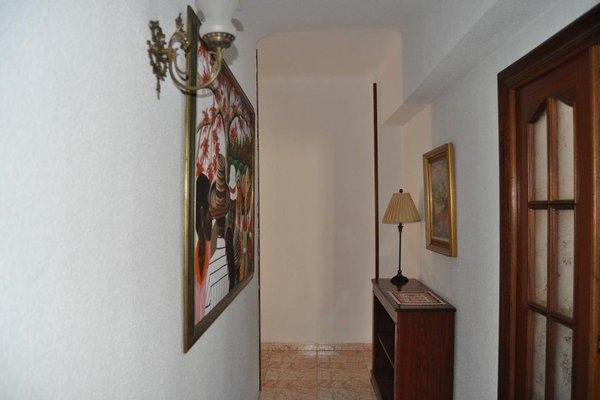 Apartamentos Kasa25 Poeta Vila y Blanco - фото 4