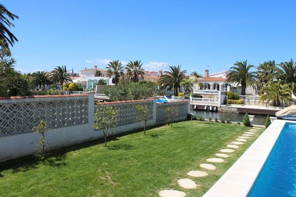 Villa on the Canal - фото 47