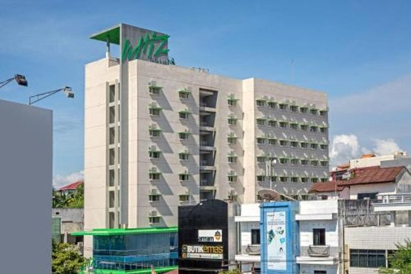 Whiz Prime Hotel Balikpapan - фото 23