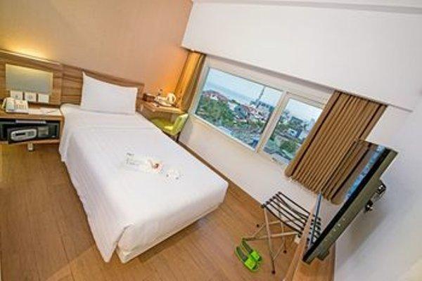 Whiz Prime Hotel Balikpapan - фото 6