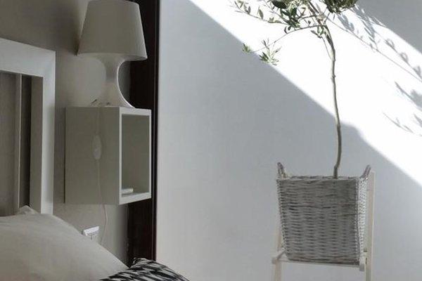 Minimal chic apartment - фото 12
