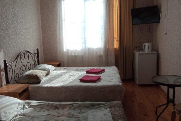 Гостевой дом «На Белых Акаций» - 13