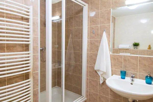 Modern Apartment Zborovska - фото 9