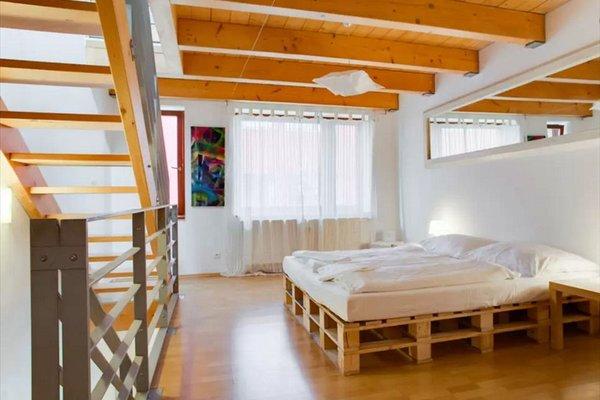 Three-Floor Apartment - фото 3