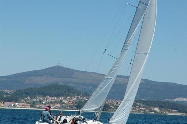 Boat in Vigo (9 metres) - фото 6