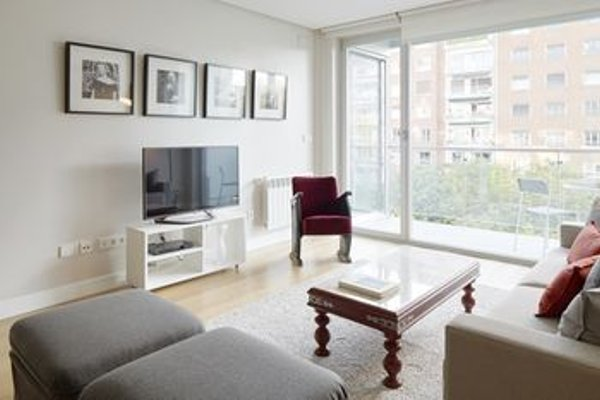 Black & White 4 Apartment by FeelFree Rentals - фото 17