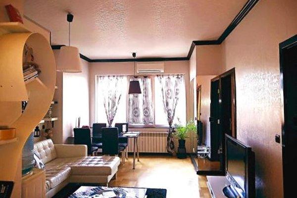 Top Center Luxury Apartment - фото 5