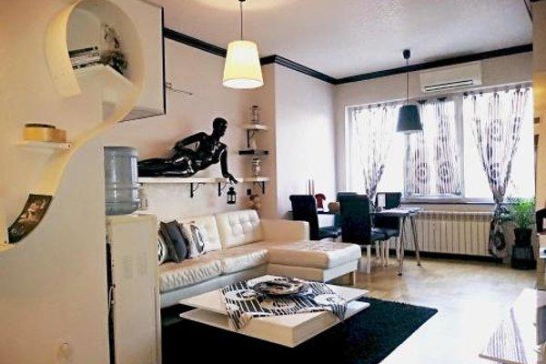 Top Center Luxury Apartment - фото 6