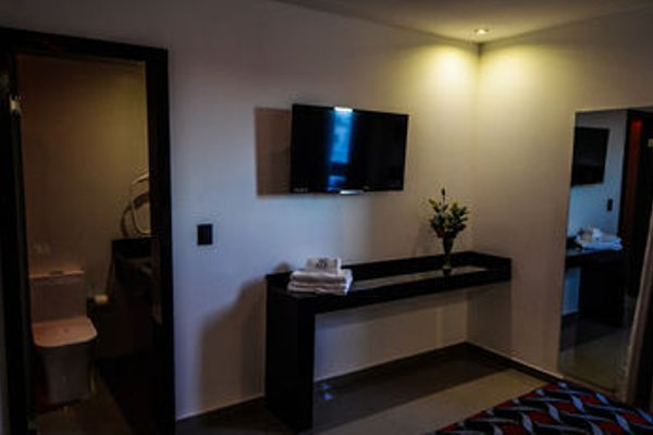 Six Hotel - фото 6