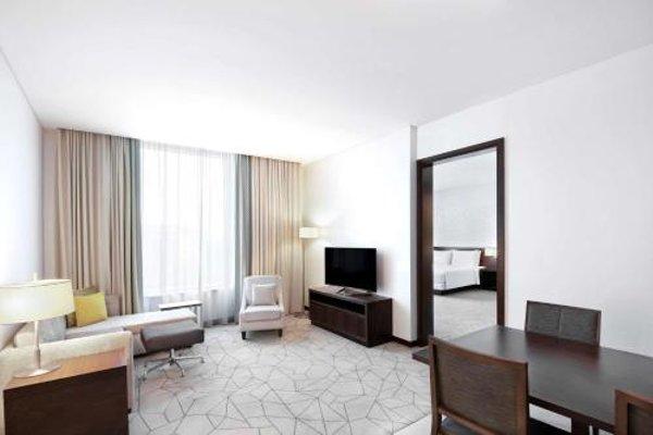 Hyatt Place Dubai Baniyas Square - фото 3
