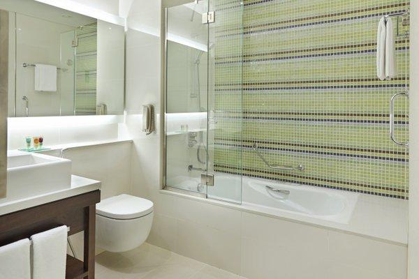 Hyatt Place Dubai Baniyas Square - фото 8