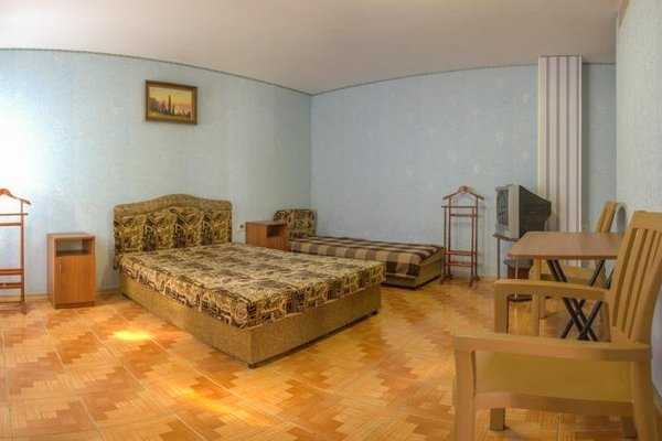 Guest House With Сolumns - фото 9