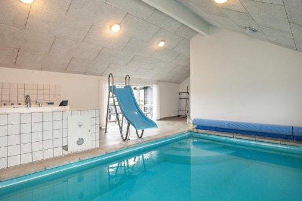 Five-Bedroom Holiday home in Hojslev - 13