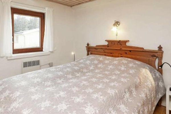 Two-Bedroom Holiday home in Thyholm 3 - фото 9