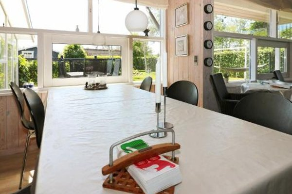 Two-Bedroom Holiday home in Hadsund 9 - фото 9