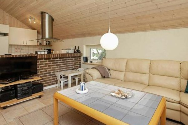 Three-Bedroom Holiday home in Blavand 16 - фото 3