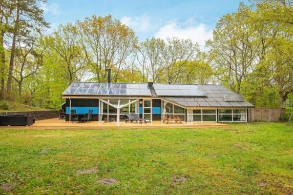 Four-Bedroom Holiday home in Glesborg 9 - фото 20