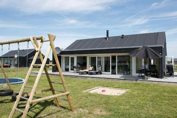 Three-Bedroom Holiday Home in Brovst - фото 31