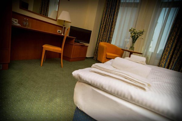 Hotel Sofia - 4