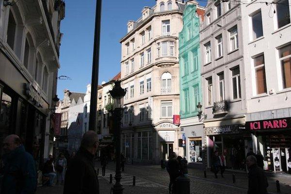 Aris Grand Place Hotel - фото 79