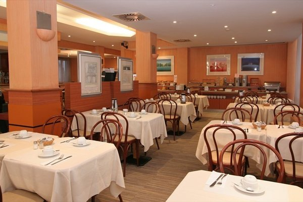 Aris Grand Place Hotel - фото 10