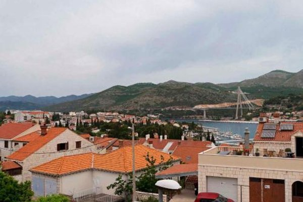 Two-Bedroom Apartment in Dubrovnik I - фото 8