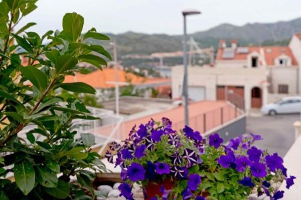 Two-Bedroom Apartment in Dubrovnik I - фото 9