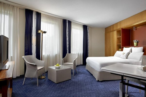 Four Points by Sheraton Hotel Brussels - 4