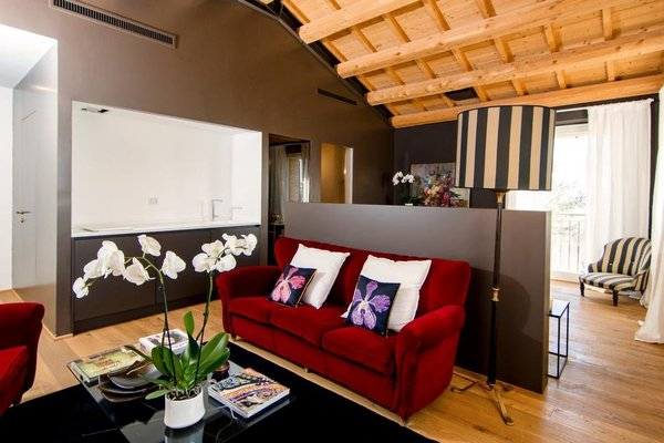 CasaVostra - Ambience Suites - 9