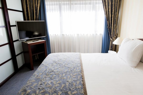 Hotel Le Chatelain - фото 3