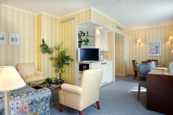 Hotel Le Chatelain - фото 4