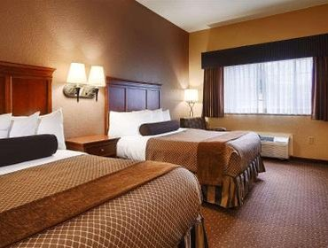 Апартаменты BEST WESTERN PLUS Shamrock Inn & Suites
