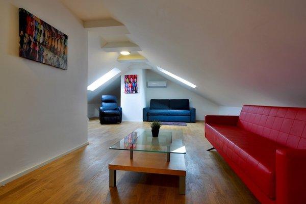 James Hotel & Apartments - фото 18