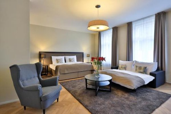 James Hotel & Apartments - фото 8