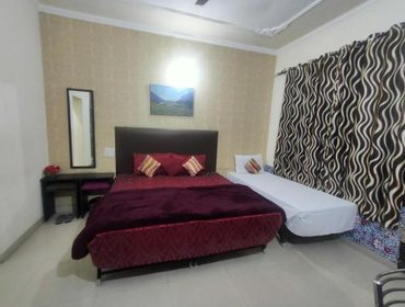 Guesthouse New Chandigarh Holiday Home