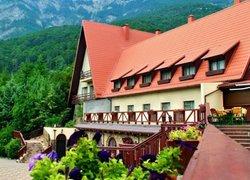 Фото 1 отеля Отельный Комплекс Поляна Сказок - Ялта, Крым